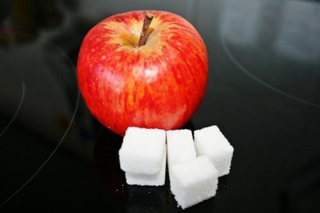 В Самаре в мае подорожали бензин, сахар, лук, морковь и яблоки