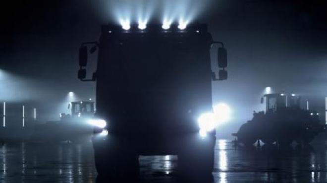 В Самарской области грузовик вылетел с трассы в болото