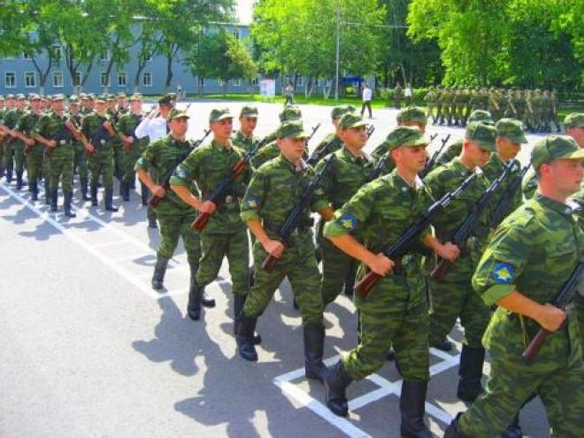 Три четверти призывников начали знакомство с военным бытом
