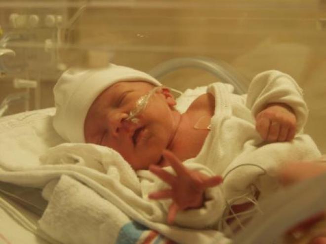 Самарские врачи поднимают вопрос о недоношенных детях