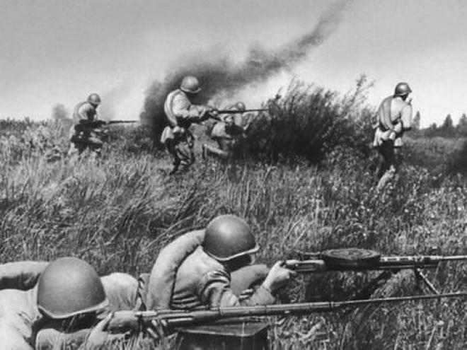 Половина россиян готова уйти на фронт, если начнется война