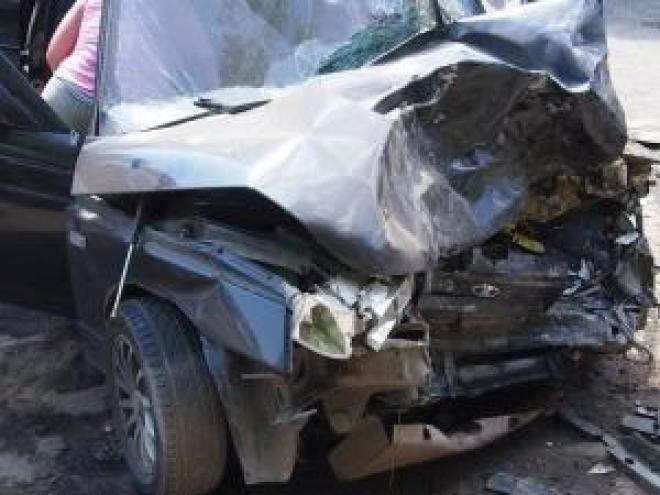 В Самарской области водитель «десятки» протаранил внедорожник
