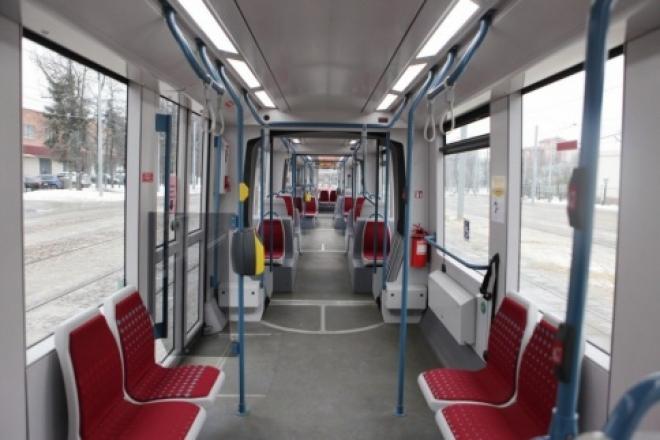 Пассажиры Самары приступили к тестированию нового трехсекционного трамвая