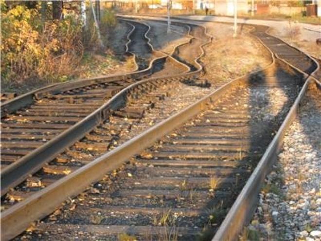 В Самаре чудом удалось остановить пассажирский поезд перед просевшими ж/д путями