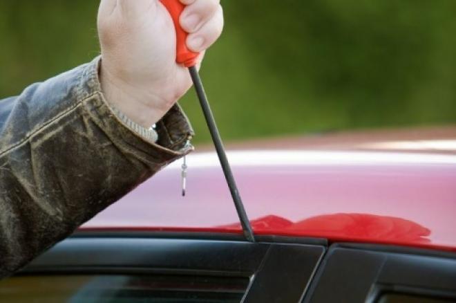 Жительница Самары подозревается в краже автомобиля Nissan
