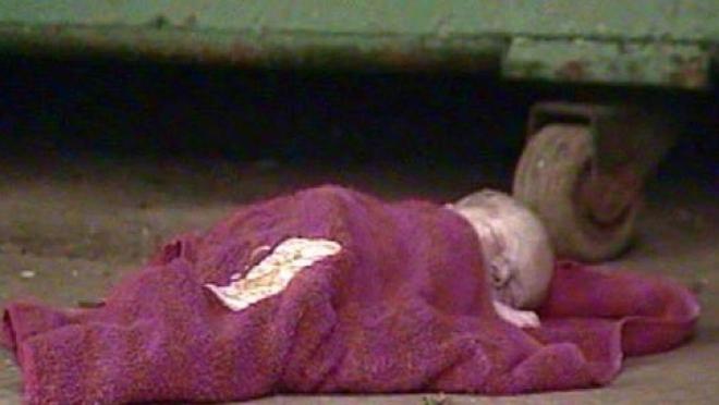 Женщина, оставившая своего новорожденного ребенка на кладбище, дала показания