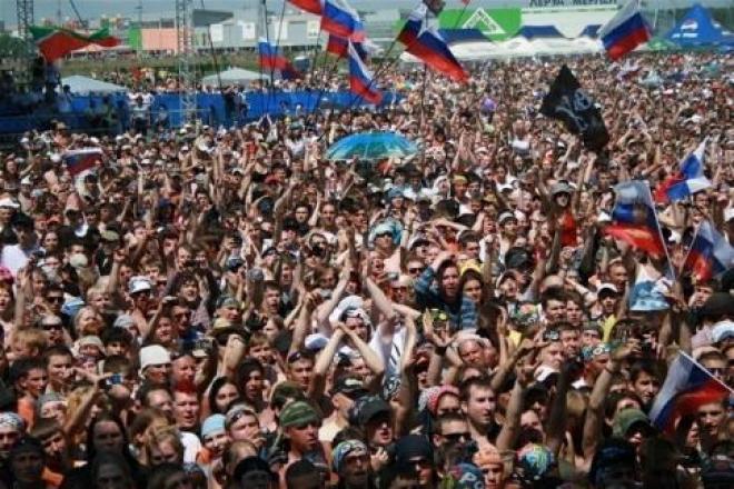Крупнейший в России фестиваль «Рок над Волгой» объявил состав хедлайнеров.