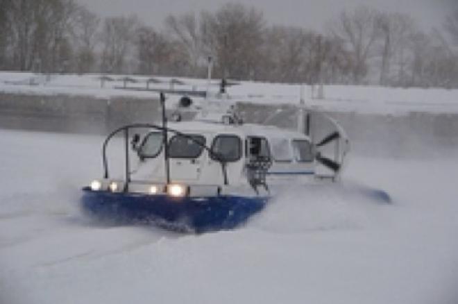 Возле Новокуйбышевска снегоход с двумя людьми провалился в Волгу